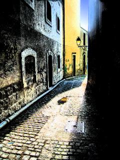 Sunny Alleyway Inked outlines.jpg