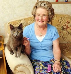 Cat&Pensioner.jpg