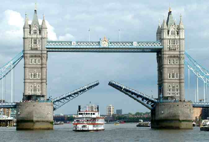 London Tower Bridge.jpg